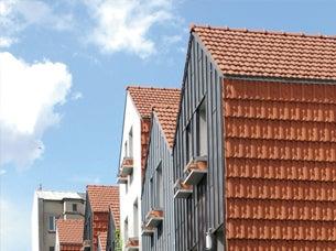 Średnie i małe profilowane dachówki